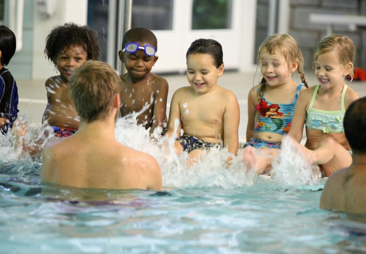 5 Rewards of Teaching Someone Else to Swim